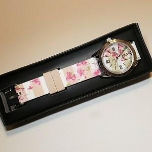 Flowers and strips quarts watch